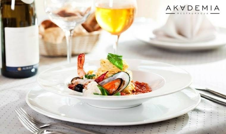 the-best-events-in-warsaw-the-akademia-restaurant